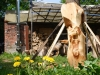 Skulptur aus Holz am Atelier