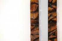 Skulptur aus Holz für die Wand, zweiteilig.