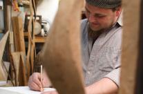 Bildhauer Søren Engel beim skizzieren