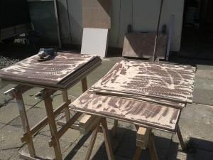 Vorbereitung von Trägerplatten für die Schichtschnitte aus Hamburg