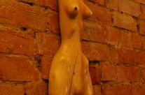 Skulptur aus Holz von Søren Engel - freier Bildhauer aus Hamburg.