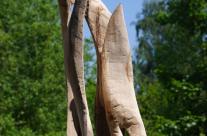 Skulptur aus Holz roh