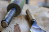 Detail Werkzeug des Bildhauers. Eisen und klöpfel
