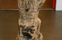 Skulptur aus Holz, das erste Selbstbildnis